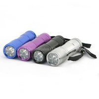 9-LED Pocket Size Flashlight 3xAAA